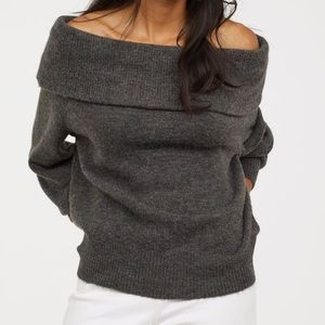 [ H & M ] Oversized Chunky Off Shoulder Sweater